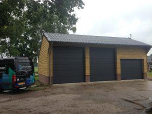 Bedrijfsdeuren-sectionaaldeur-RAL-7016 (Medium)
